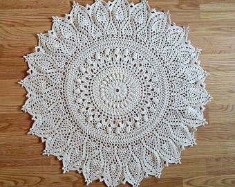"Off-white crochet doily mat. Round 70 см  / 27,5"". Crocheted rug. Ready to ship."