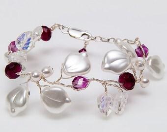 Pink White Glass Leaf Beaded Bracelet, Fuchsia White Glass Leaf Bracelet, White Winter Jewelry, Christmas Gift for Her under 100 dollars