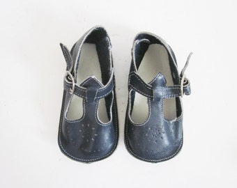 Vintage french baby shoes - Soft leather Slippers 1950