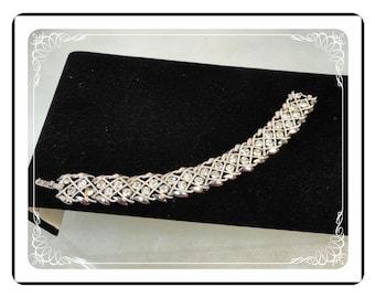 Trifari Rhinestone Bracelet - Criss Cross Silvertone Vintage - Brac-1772a-030813010