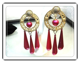 Fuchsia Dangling Earrings - Big Chunky Fuchsia Dangling Clip on Earrings - Runway Style Reto  -  E471a-072313000
