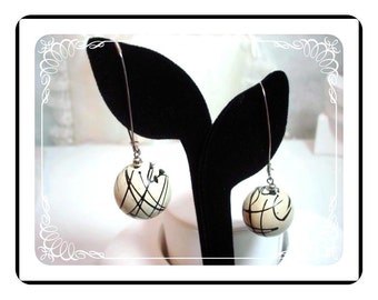 Abstract Sphere Pierced Earrings - Black & White  FUN Laugh In Style E205a-04081200