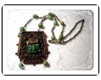 Malachite Mask Pendant - Vintage Tribal Green -  Neck-1370a-062410000