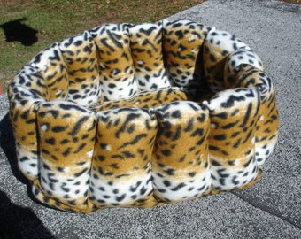 Cat bed, dog bed, pet bed, fleece pet bed, leopard pet bed, oval bed, deep bed, 16 inch pet bed, kitten bed, puppy bed, rabbit bed, washable