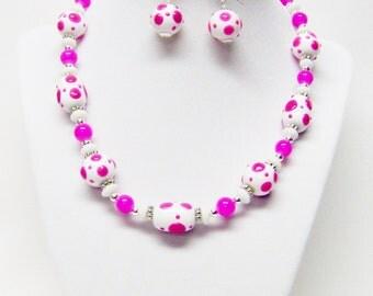 "White & Fuchsia Lamp Work Glass Bead Necklace/Bracelet/Earrings for Youth (17.5"")"