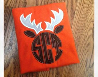 Antler/ deer horn monogram applique short sleeve shirt