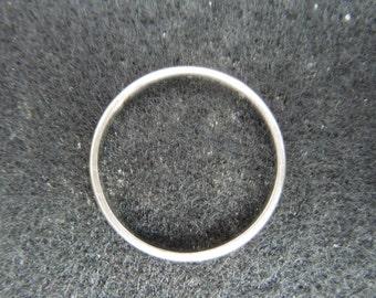 Vintage Gold Ring.  14 Karat Plum White Gold Wedding Band, Stamped, Size 5 3/4