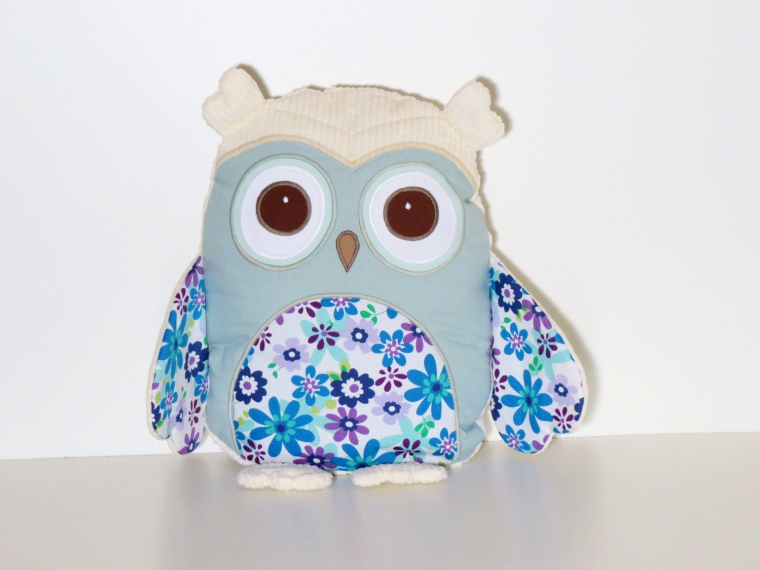 SALE / Owl Room Decor, Owl Throw Pillow, Embroidered Owl Pillow Cover
