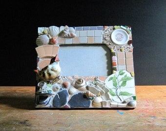 Mosaic Frame, Table Top Frame, Pictrue Frame, Mosaic Art, Wooden Frame, Decorated Frame, Bird Frame, Upcycled, Mosaic Mirror, Pique Assiette