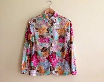 Vintage Tropical Floral Print Blouse // Hawaiian Flower Button Down Shirt // Pink & Ivory Top // Hipster // Indie // Union Label  - 1970s