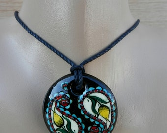 Turkish İznik tile tulip necklace, pendant.