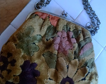 "Vintage Little ""Carpet Bag"""