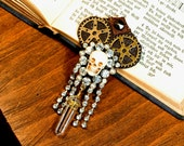Muertos, brooch in the steampunk style