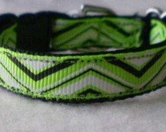 Neon Green Chevron Dog Collar (xsmall)