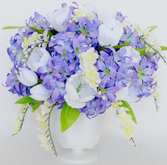 artificial flower arrangement purple/lavender hyacinth white, Beautiful flower