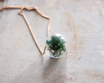 Hanging Moss Necklace