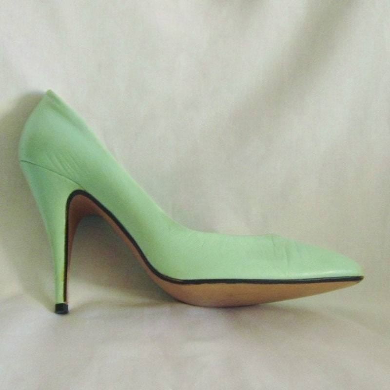 1980s turquoise blue leather high heels shoes 4 1 4 inch