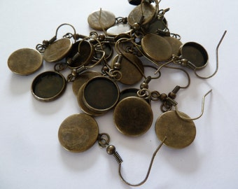 10 x 12mm Antique Bronze dangly earring trays (5 pairs)