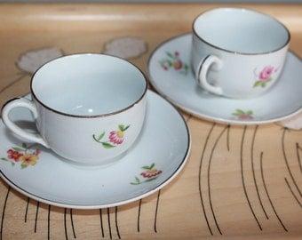 "Pair of beautiful antique ""Sirkka"" pattern children's coffee cups by Arabia Finland"