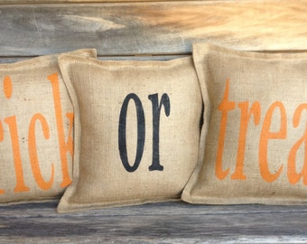 Trick or Treat Burlap Pillow, Halloween Pillow, Burlap Pillow, fall pillow, Front Porch, entryway pillow,Halloween Decor, Entry way pillow,