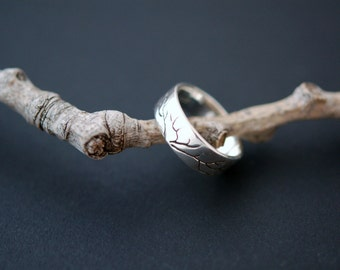 Hand sculpted tree ring - Oxidized silver 925
