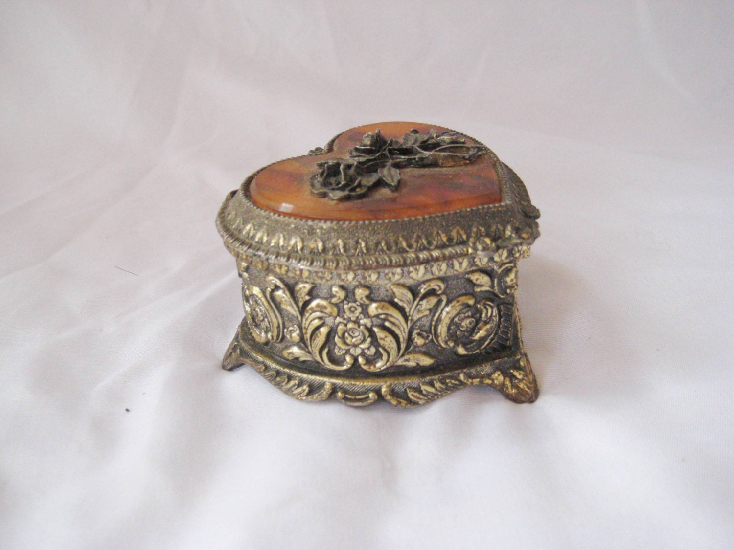 Decorative Metal Boxes With Lids : Metal decorative small box heart shape by endlesslyvintage