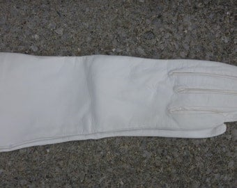 Vintage Gloves Bridal White Leather Bracelet Length Size 6 Dead Stock Made in Italy 1960s
