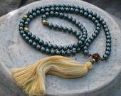Beautiful shell pearl mala necklace
