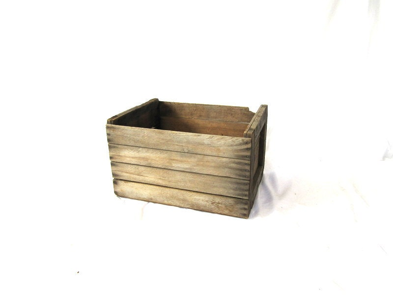 Wooden fruit crate box rustic wood fruit crate for Buy wooden fruit crates
