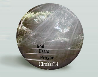 BUTTON God Hears Prayer, Magnet-Pinback - 2.25 Inch Round