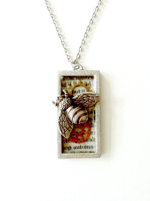 Bee Necklace Steampunk Queen bee mixed metal Handmade necklace Gift