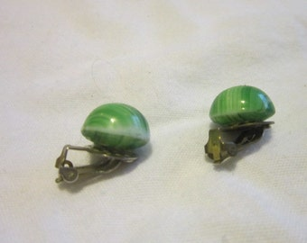 Vintage Swirl Art Glass Green Earrings Great