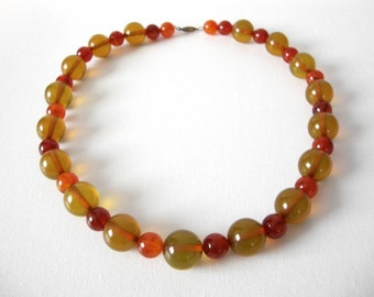Bakelite Necklace With Apple Juice And Amber Round Beads