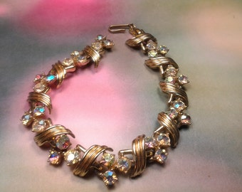 vintage rhinestone bracelet costume jewelry lucite white