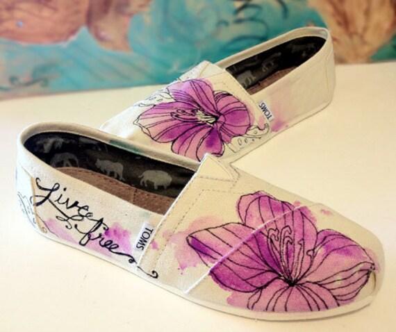 LIVE FREE Hibiscus Toms Shoe