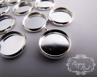 Bright Silvertone Small Cabochon Pendant Settings, 12 pcs, lead nickel free brass cabochon settings - reynared supplies