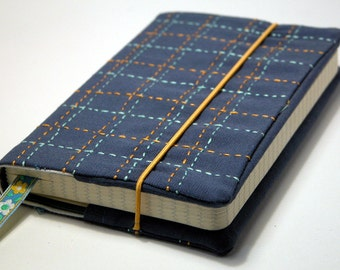 Cuaderno de bolsillo (9 x 14 cm) forrado con tela decorada
