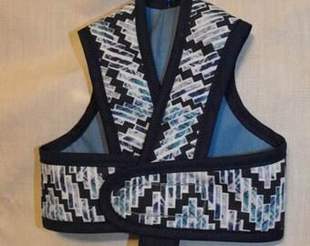 Blue chevron step in harness
