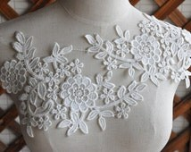 SALE Ivory venice lace applique pair in ivory, bridal veil lace applique