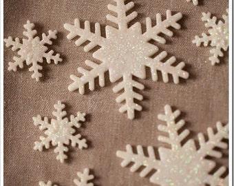 Edible fondant snowflakes ( 20 )