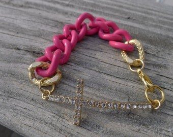 Chunky Chain Bracelet with Cross