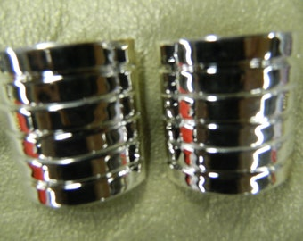 Vintage silver clip on earrings