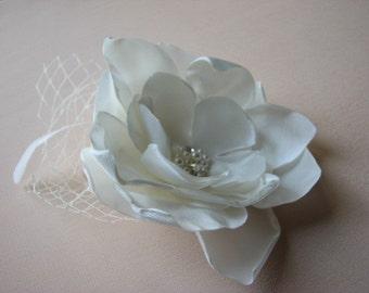 "Ivory hair fascinator Ivory hair flower Ivory headpiece Ivory bridal flower Ivory hair piece Ivory flower 3"" lace hair flower Ivory flower"