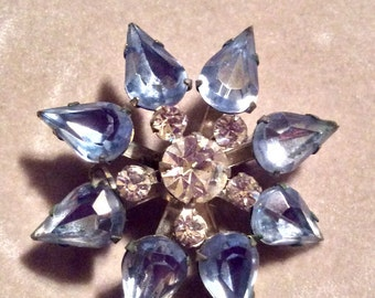 Vintage Rhinestone Brooch - Beautiful Sky Blue and Clear Sparkling Stones