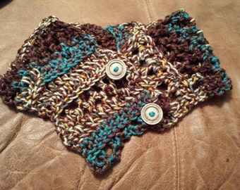 Chunky Artsy Freestyle Crochet Cowl with buttons
