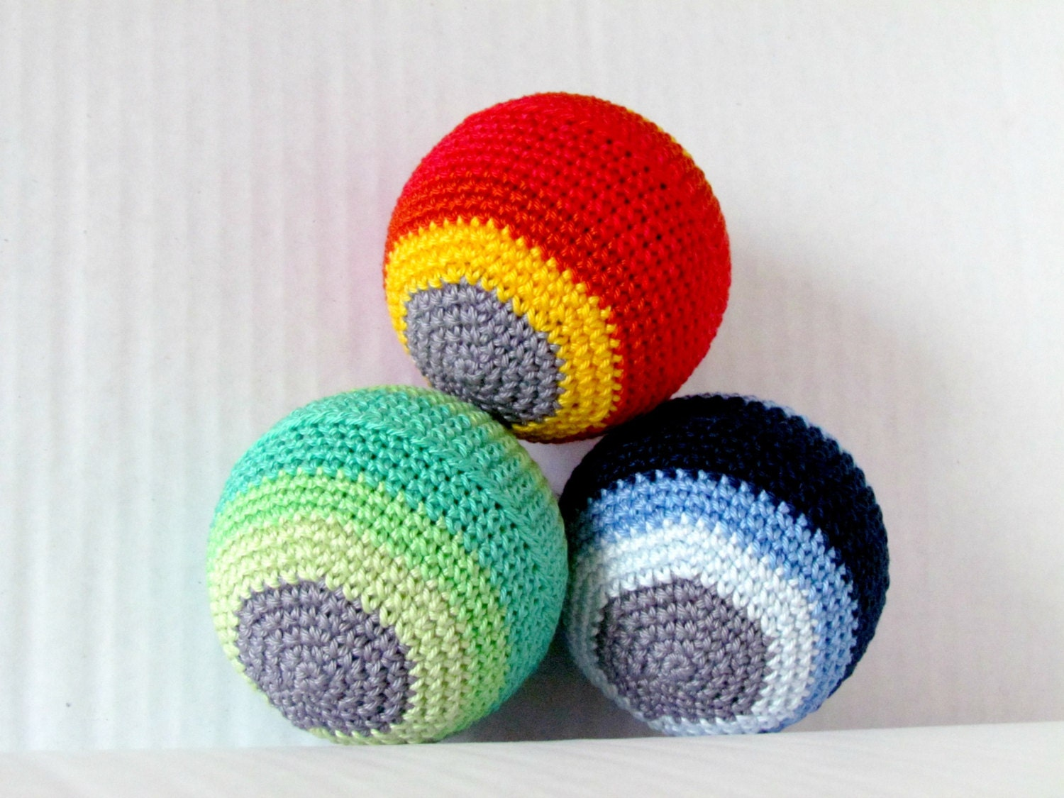 Large Amigurumi Ball Pattern : Ombre Amigurumi Ball Toy for Baby Set of 3