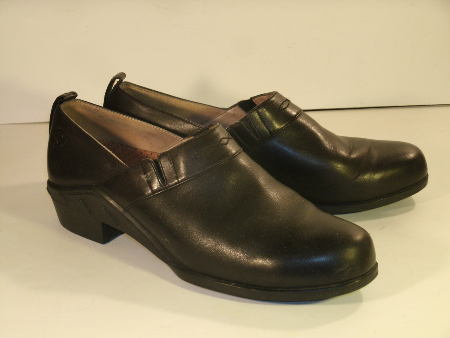 ariat black leather sip on shoes stretch panels