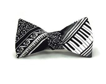 Piano bowtie, Music bowtie, black and white bowtie, music stripe bowtie, mens bowtie, musician bowtie, piano player gift, teacher gift