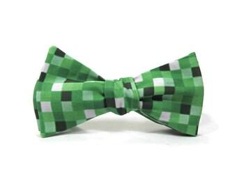 8 bit bowtie, video game bowtie,  pixel bowtie, green bowtie, gamer bowtie, green 8 bit squares, video game gift