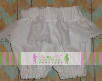 White Bloomers with wide Eyelet Lace NB, 3-6 mo, 9-12 mo, 18-24 mo, 2T, 3T, 4T, 5T, 6 Shabby Chic